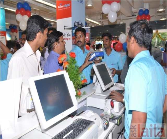 Reliance Digital In Banjara Hills Hyderabad 5 People